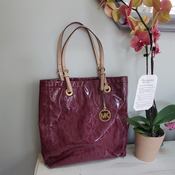 a704e79cdf58 Michael Kors Bags | Authentic Handbag | Poshmark